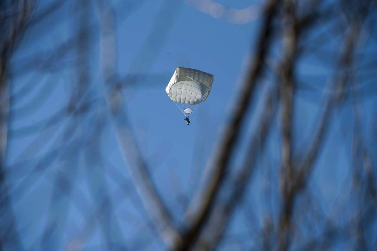Riding railcars during a strike, parachuting in the Balkans, thinking about a Grexit | Jan. 22
