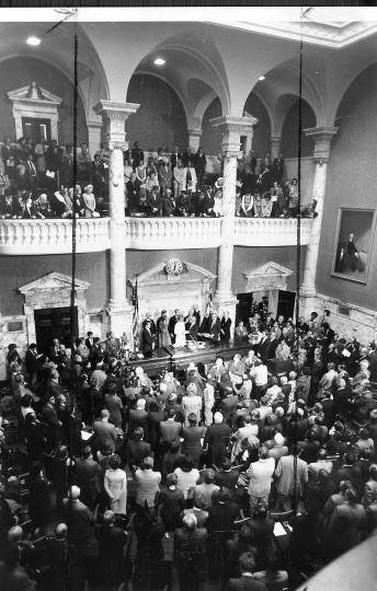 Marvin Mandel's 1975 inauguration. (Baltimore Sun file photo)