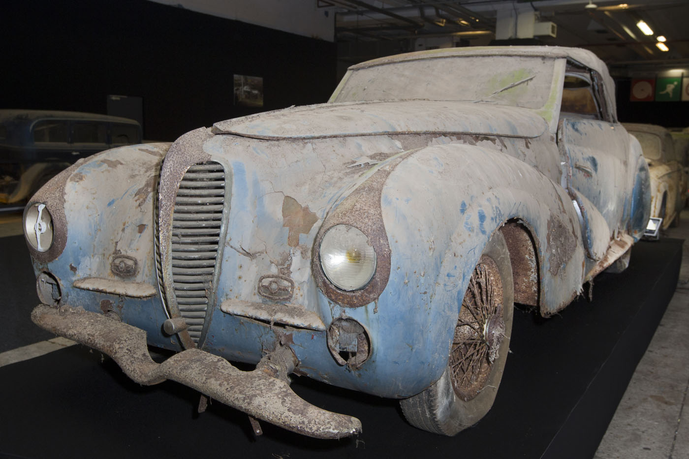Retromobile: Trove of classic cars discovered after 50-years ...