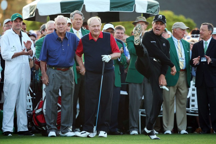 Honorary Starters Arnold Palmer and Jack Nicklaus of the United States wait alongside Gary Player of South Africa on the first tee during the first round of the 2015 Masters Tournament at Augusta National Golf Club on April 9, 2015 in Augusta, Georgia. (Photo by Andrew Redington/Getty Images)