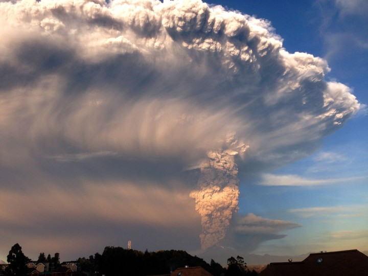 View from Puerto Varas, southern Chile, of a high column of ash and lava spewing from the Calbuco volcano, on April 22, 2015. Chile's Calbuco volcano erupted on Wednesday, spewing a giant funnel of ash high into the sky near the southern port city of Puerto Montt and triggering a red alert. Authorities ordered an evacuation for a 10-kilometer (six-mile) radius around the volcano, which is the second in southern Chile to have a substantial eruption since March 3, when the Villarrica volcano emitted a brief but fiery burst of ash and lava. (AFP Photo/P /agencia )