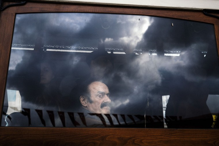 A man looks out of the window of a tram at Taksim Square in Istanbul on April 22, 2015. Turkey's central bank decided to leave interest rates unchanged but implement two secondary policy measures aimed at supporting the embattled Turkish lira. (AFP Photo/Dimitar Dilkoff)