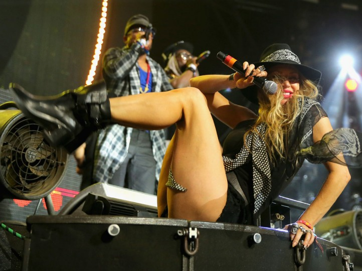 Recording artist Fergie of The Black Eyed Peas performs onstage with David Guetta during day 3 of the 2015 Coachella Valley Music & Arts Festival (Weekend 1) at the Empire Polo Club on April 12, 2015 in Indio, California. (Photo by Mark Davis/Getty Images for Coachella)