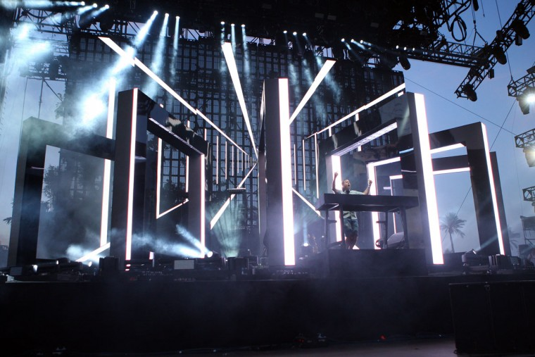 Kaskade performs at the Coachella Music and Arts Festival - Weekend 2, on Sunday, April 19, 2015, in Indio, Calif. (Photo by Zach Cordner/Invision/AP)