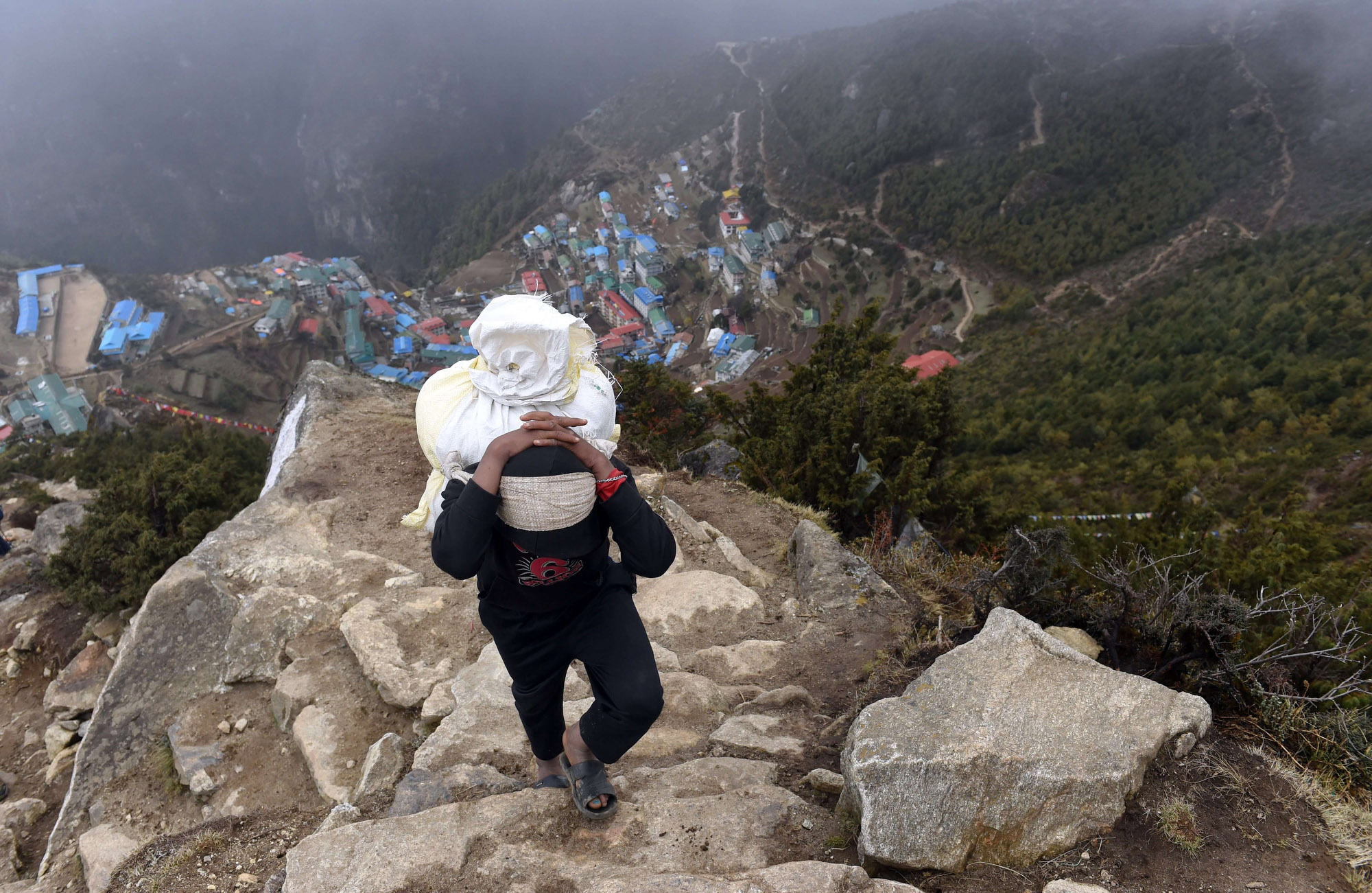 Remembering the lost in Mount Everest's deadliest disaster