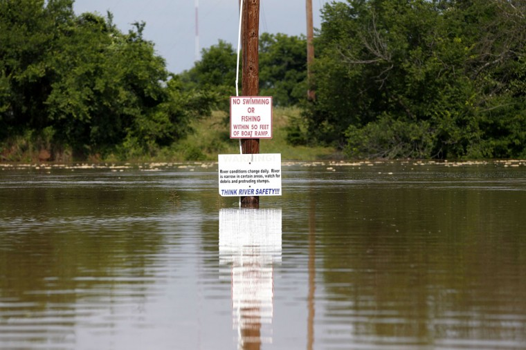 The Brazos River is rising as authorities call for an evacuation of Horseshoe Bend, Texas, on Wednesday, May 27 2015. (Rodger Mallison/Fort Worth Star-Telegram/TNS)