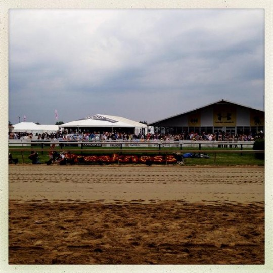 Rain starting to fall at Preakness. (Christopher T. Assaf/Baltimore Sun)