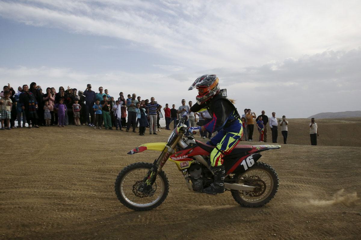 Motocross Gear Near Me >> In Iran, female motocross racer jumps barriers