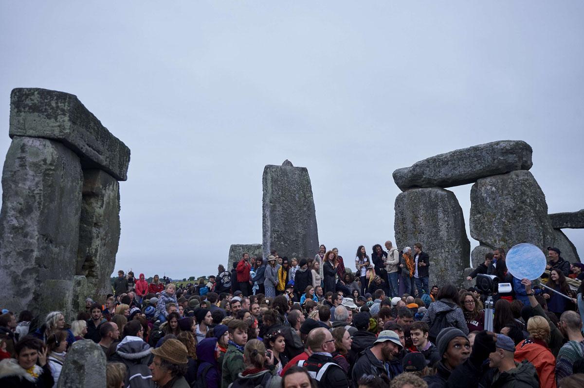 Stonehenge Elevation : Celebrating summer solstice at stonehenge