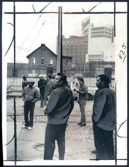 Employees at Amstar Corp.'s Domino sugar plant on Locust Point picket during a wildcat strike on January 15, 1980. Workers returned to their jobs the next day. (Baltimore Sun photo by Walter M. McCardell)