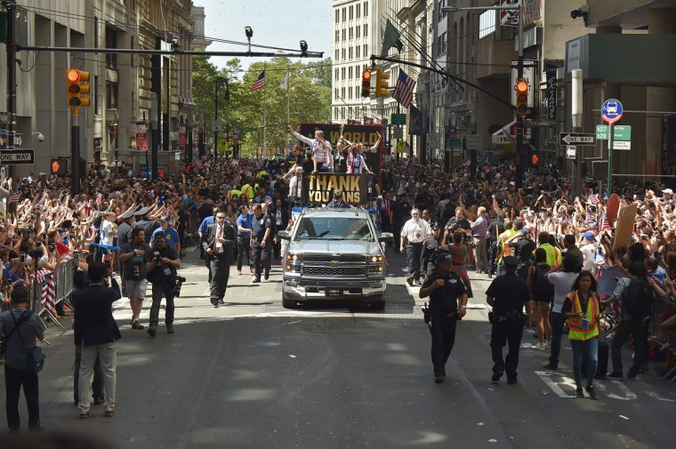 (L-R): Soccer players Carli Lloyd, Mayor Bill de Blasio, soccer player Megan Rapinoe, Chirlane McCray and U.S. Coach Jill Ellis aboard a float in the New York City Ticker Tape Parade for World Cup Champions U.S. Women's Soccer National Team on July 10, 2015 in New York City. (Photo by Michael Loccisano/Getty Images)