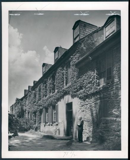 Harper house built in the late 1700's by Robert Harper. (A. Aubrey Bodine/Baltimore Sun, 1943)