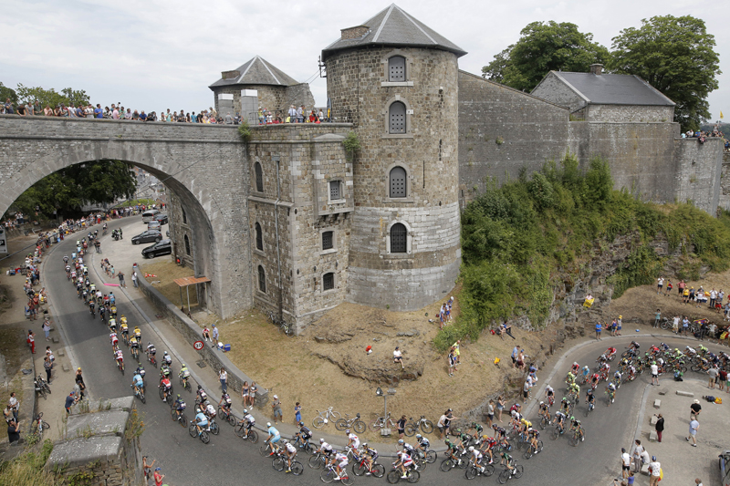 Tour de France, running of the bulls, Pope in Ecuador, Swiss mail drone | July 7