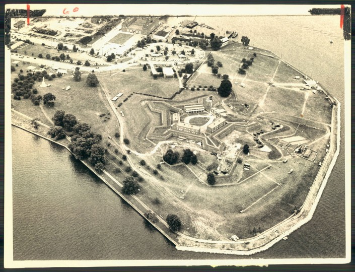 An aerial view of Fort McHenry on August 26, 1975. (Baltimore Sun photo by Lloyd Pearson)