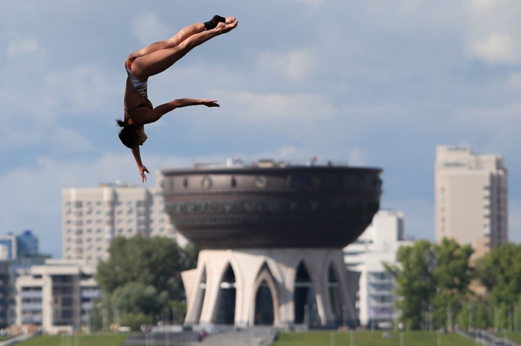 Anna Natascha Bader of Germany competes during the women's 20 meter high dive final at the Swimming World Championships in Kazan, Russia, Tuesday, Aug. 4, 2015. (AP Photo/Denis Tyrin)