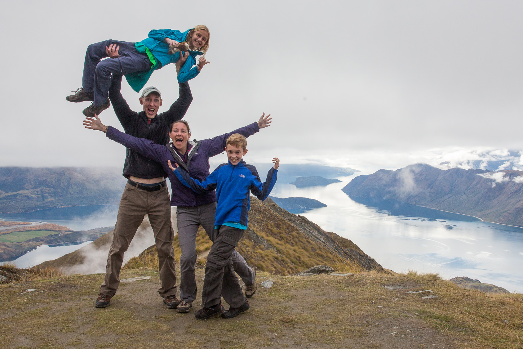 'Earth Trekkers' family takes 13-month trip around the world