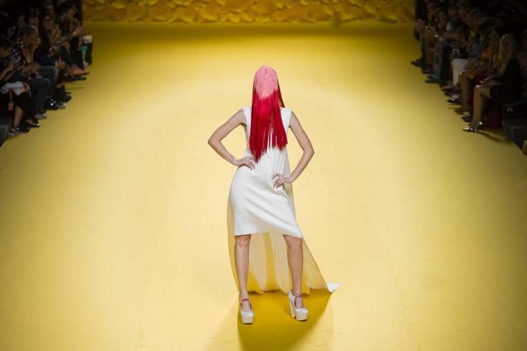 A model displays a 2016 Spring/Summer design by Agatha Ruiz De La Prada at the Madrid's Fashion Week in Madrid, Spain, Friday, Sept. 18, 2015.  || CREDIT: DANIEL OCHOA DE OLZA - AP PHOTO