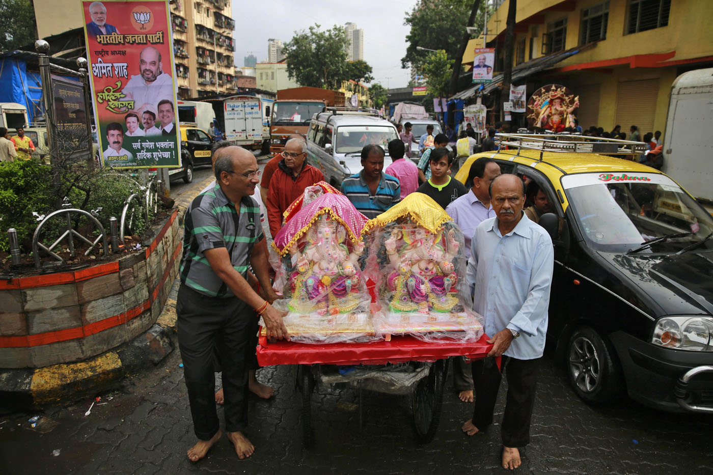 s ganesh chaturthi festival a handcart during ganesha chaturthi festival in mumbai thursday sept 17 2015 ganesh chaturthi is celebrated as the birthday of lord ganesha