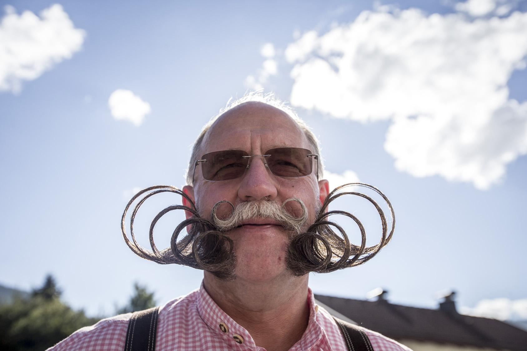 Mobius moustache
