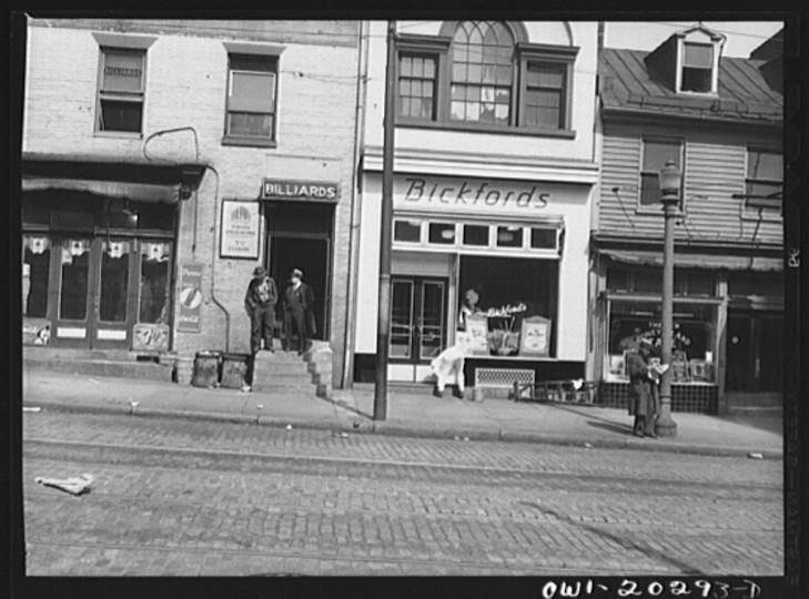 """A street scene."" John Vachon, March 1943"