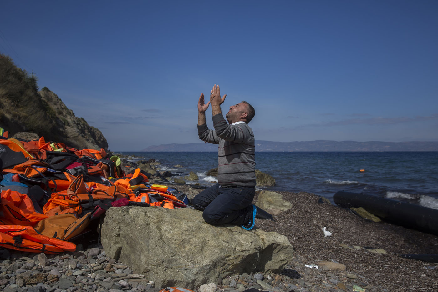 Refugee prayers, Cyprus Independence Day, campus shooting in Oregon | Oct. 1