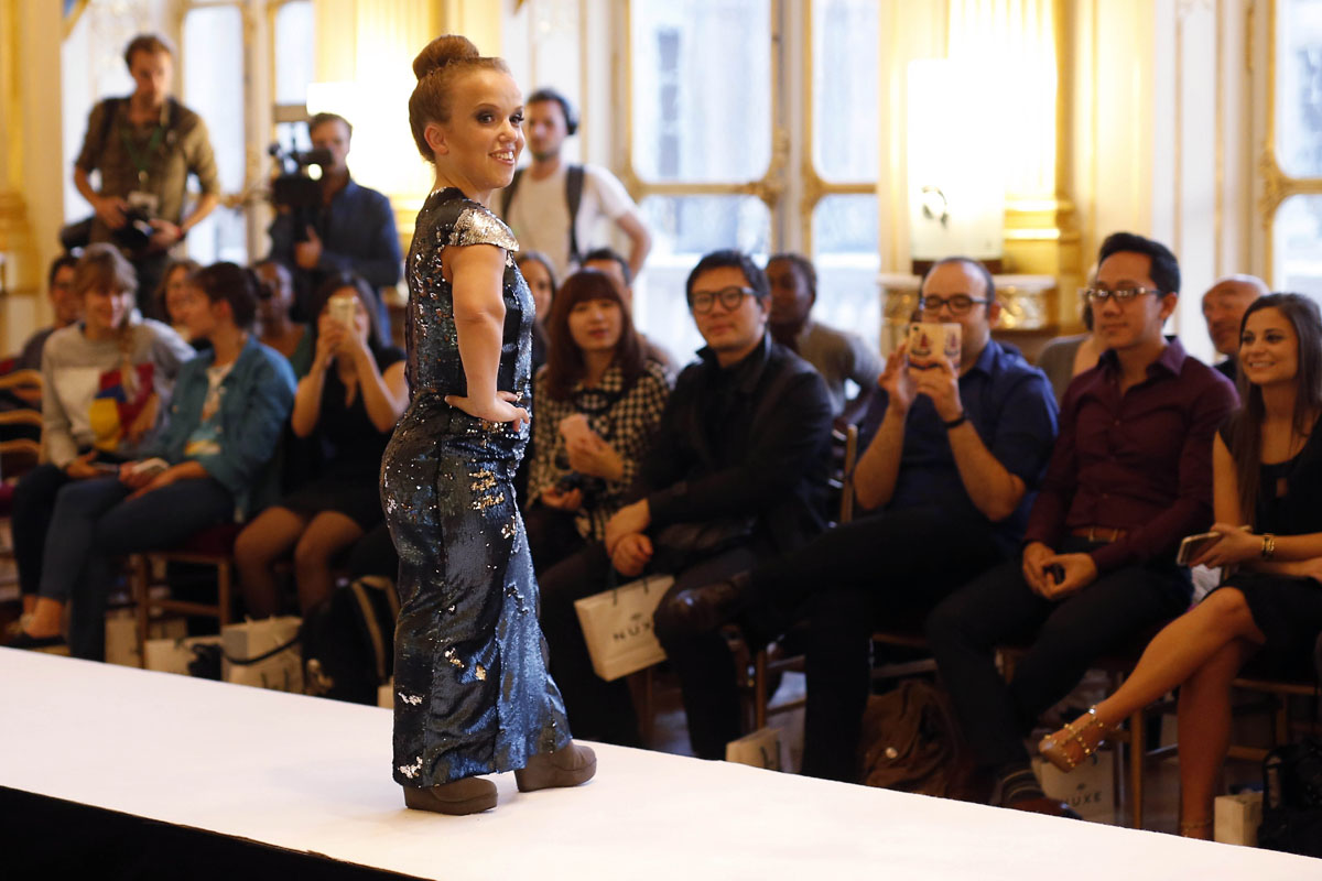 French ministry hosts dwarf fashion show