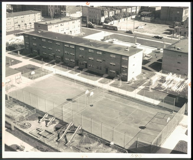 A view of the basketball courts at the Flag House Courts housing projects in Jonestown on Oct. 12, 1956. (Baltimore Sun photo by Albert D. Cochran)