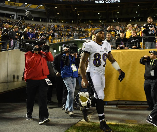Baltimore Ravens wide receiver Steve Smith, Sr. entering the field prior to the start of the Ravens game against the Steelers at Heinz Field in Pittsburgh. (Kenneth K. Lam/Baltimore Sun)