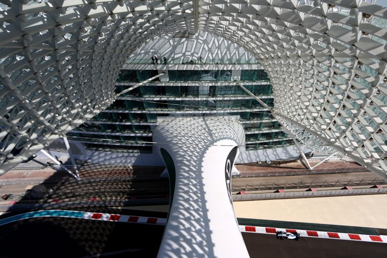 Valtteri Bottas of Finland and Williams drives during practice for the Abu Dhabi Formula One Grand Prix at Yas Marina Circuit on November 27, 2015 in Abu Dhabi, United Arab Emirates. (Photo by Clive Mason/Getty Images)
