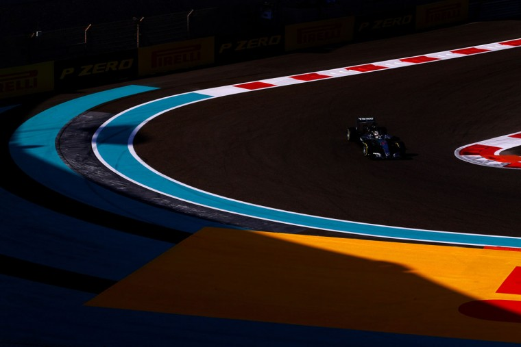 Lewis Hamilton of Great Britain and Mercedes GP drives during practice for the Abu Dhabi Formula One Grand Prix at Yas Marina Circuit on November 27, 2015 in Abu Dhabi, United Arab Emirates. (Photo by Dan Istitene/Getty Images)
