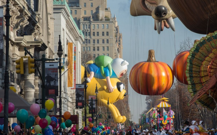 Balloons are moved onto Central Park West during the Macy's Thanksgiving Day Parade, Thursday, Nov. 26, 2015 in New York. (AP Photo/Bryan R. Smith)