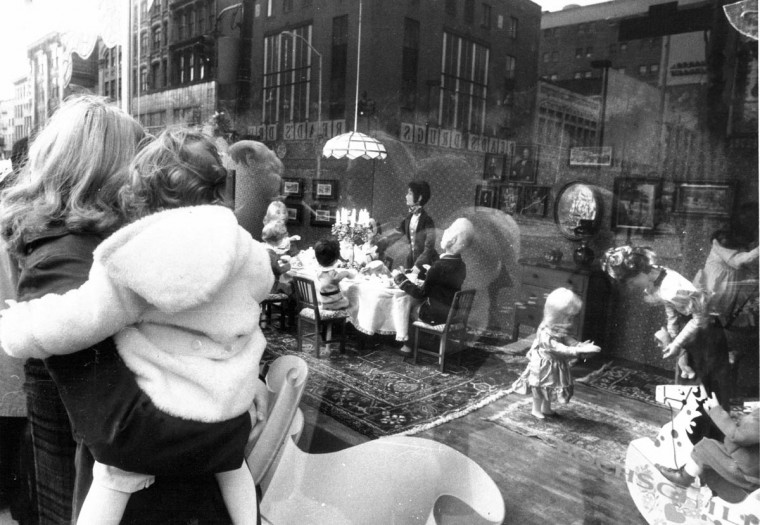 The Hochschild's display showing the good old days delighted children of all ages in 1973. (Baltimore Sun)