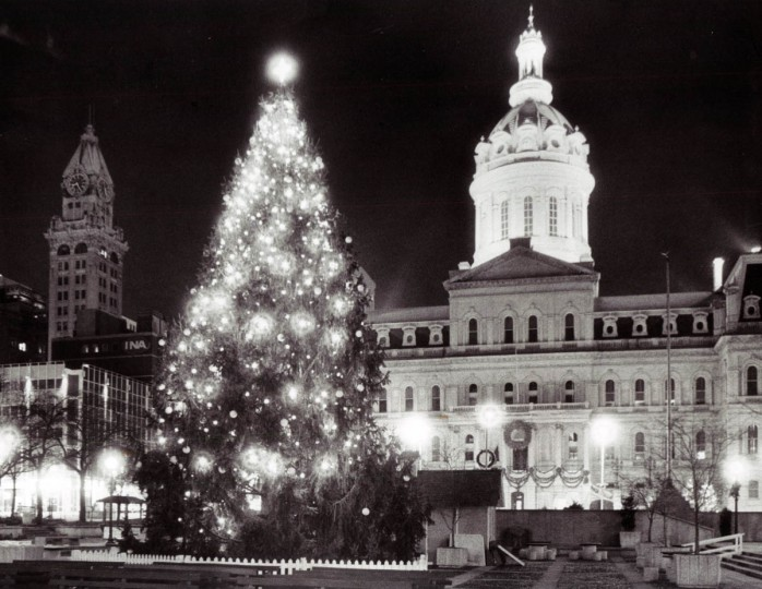 City Hall Plaza is decked out in its holiday finery in 1982. (George Cook/Baltimore Sun)