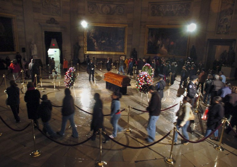 Members of the public pay their respects to Rosa Parks at the Capitol Rotunda on Oct. 30, 2005. (KENNETH K. LAM/BALTIMORE SUN)