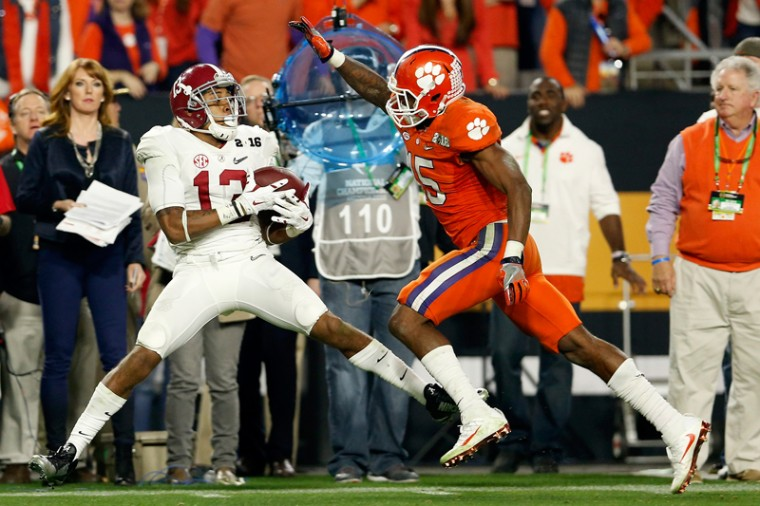 ArDarius Stewart of the Alabama Crimson Tide catches a 38-yard pass thrown by Deshaun Watson in the fourth quarter against T.J. Green of the Clemson Tigers. (Christian Petersen/Getty Images)