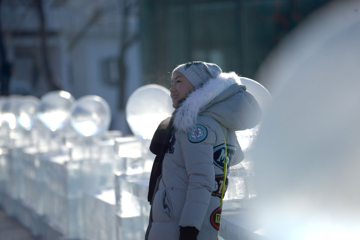 Setting Up The 2016 Harbin Ice Festival In China