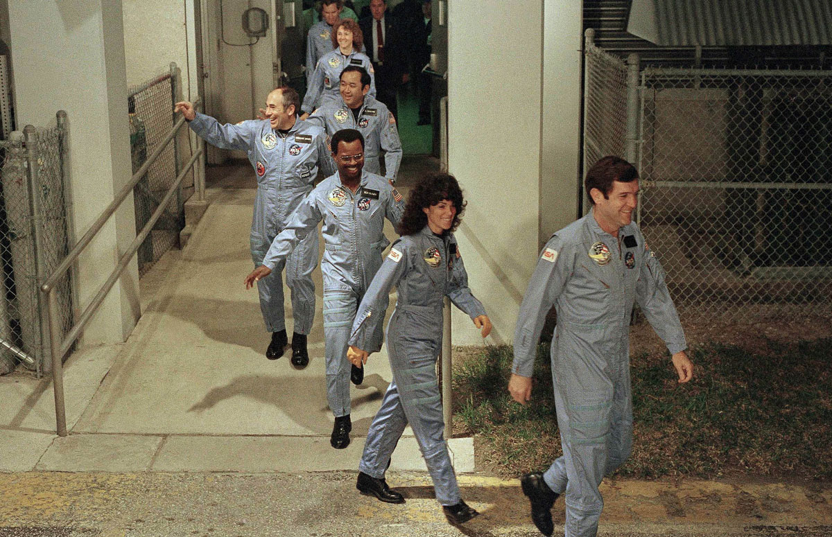 space shuttle challenger crew names - photo #26