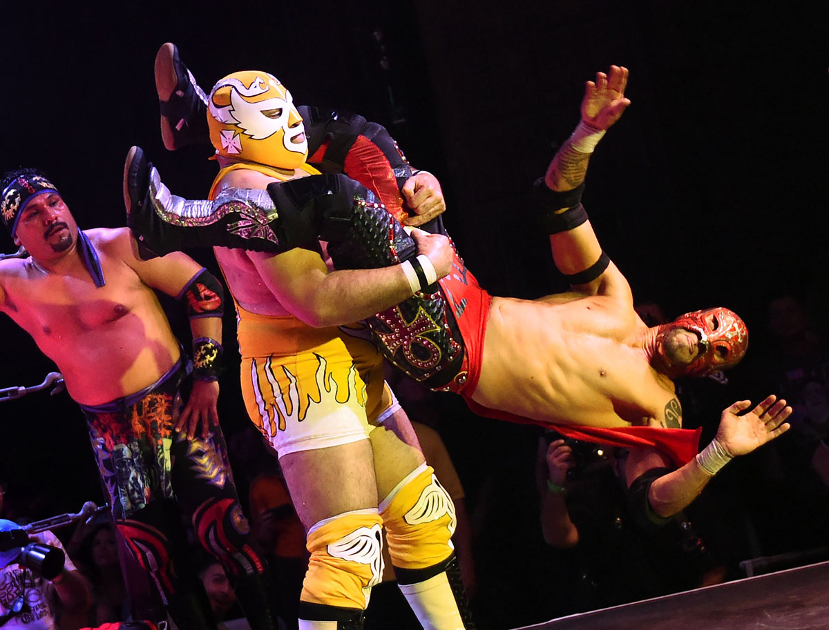Wrestling, striptease and comedy: Lucha Va Voom's 'Crazy in Love'