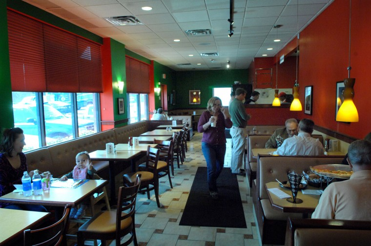 A view of S'ghetti Eddie's in Roland Park. (Baltimore Sun photo …by André F. Chung, March 22, 2007)