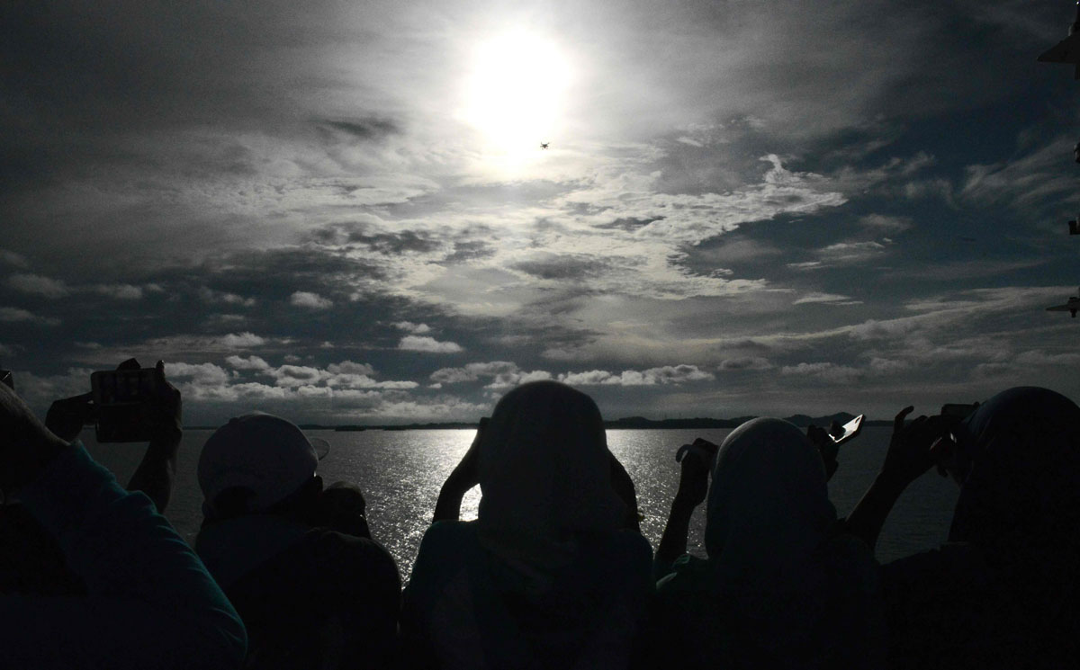 Total solar eclipse sweeps across Indonesia