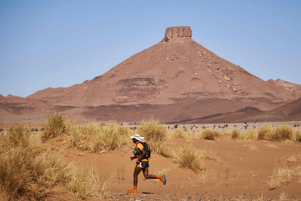 Marathon des Sables takes runners through Sahara desert