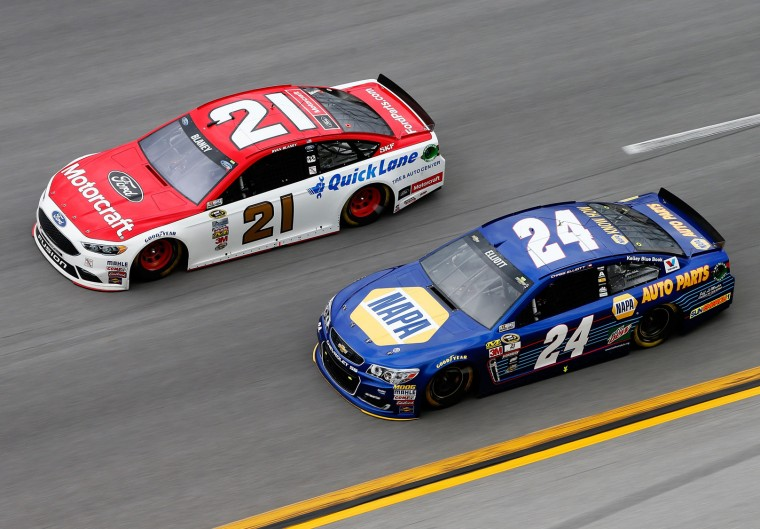 Ryan Blaney, driver of the #21 Motorcraft/Quick Lane Tire & Auto Center Ford, races Chase Elliott, driver of the #24 NAPA Auto Parts Chevrolet, during the NASCAR Sprint Cup Series GEICO 500 at Talladega Superspeedway on May 1, 2016 in Talladega, Alabama. (Photo by Brian Lawdermilk/Getty Images)