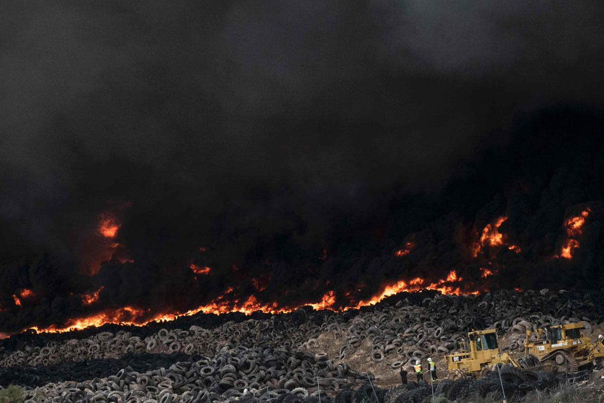 9,000 flee from massive tire fire, toxic fumes