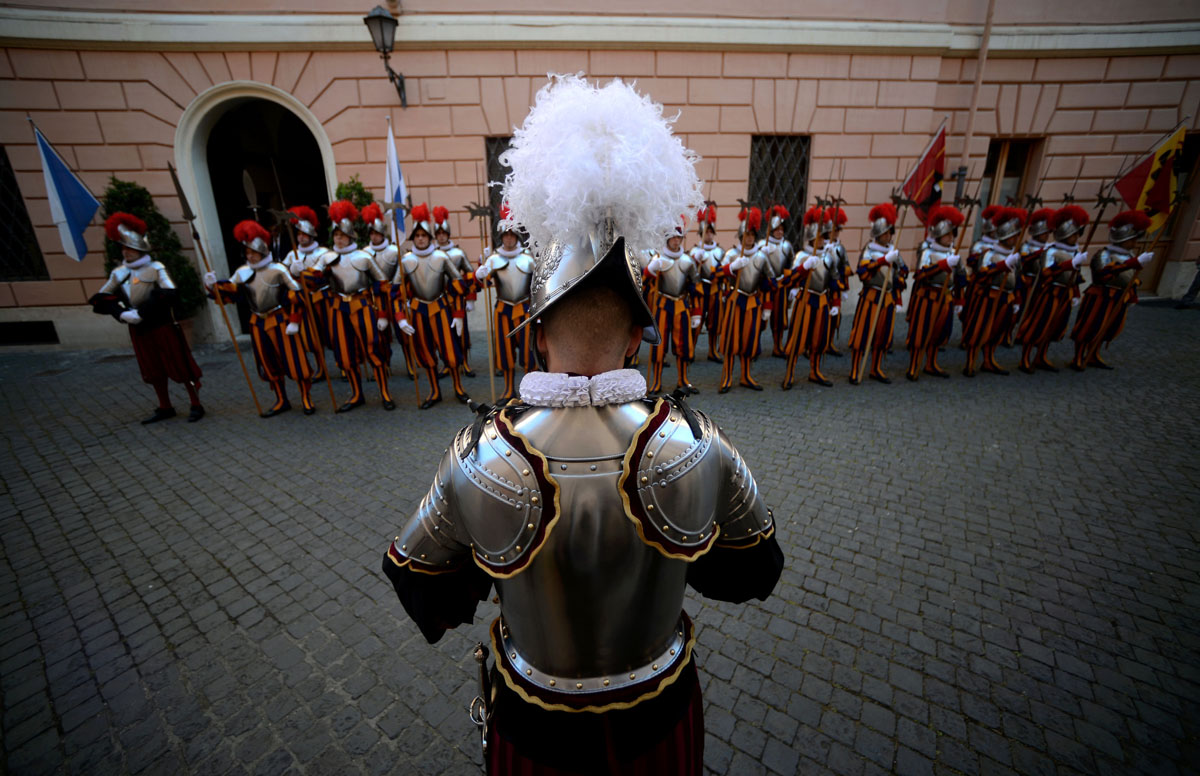 Vatican Swiss Guard recruits sworn-in to commemorate Sack of Rome