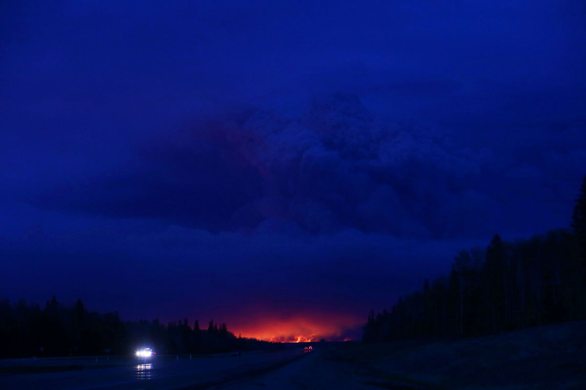 [Image: fort-mcmurray-alberta-canada-forest-fires-05052016.jpg]