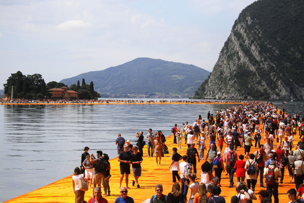 The floating piers of northern Italy