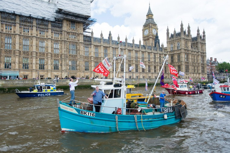 LONDON, ENGLAND - JUNE 15: Pro 'Leave' boats form a flotilla as Nigel Farage, leader of the UK Independence Party shows his support for the 'Leave' campaign for the upcoming EU Referendum aboard a boat on the River Thames on June 15, 2016 in London, England. Nigel Farage, leader of UKIP, is campaigning for the United Kingdom to leave the European Union in a referendum being held on June 23, 2016. (Photo by Jeff Spicer/Getty Images)