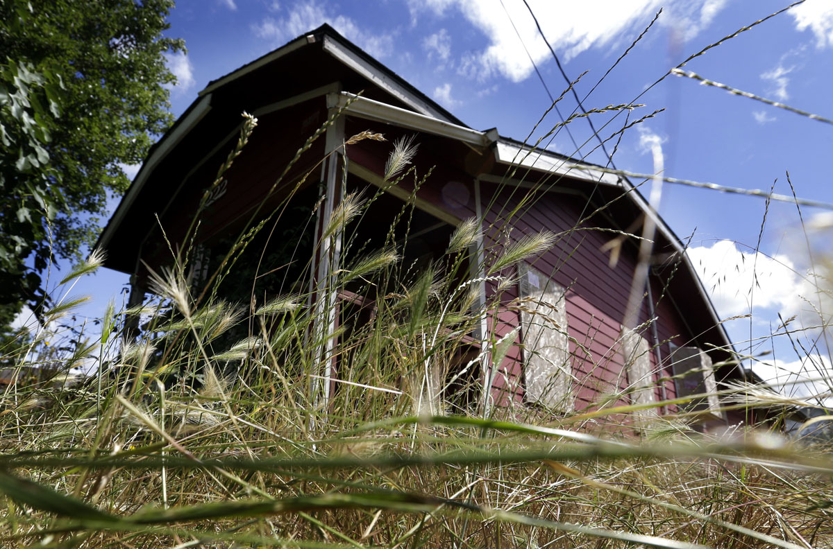 Portland officials take aim on 'zombie homes'