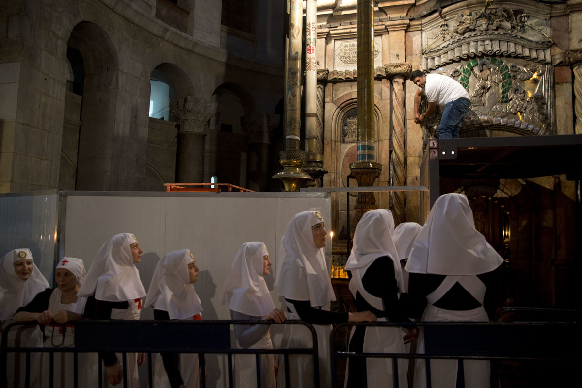 Renovating the tomb of Jesus