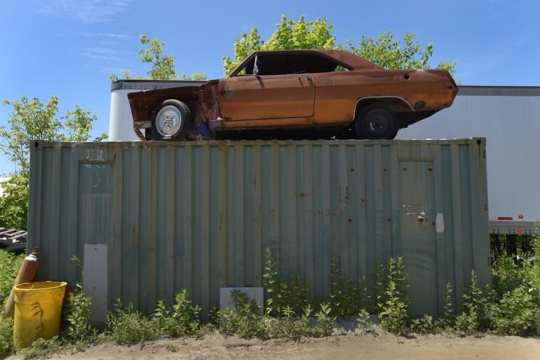 dr-junk-yard-p12-fox